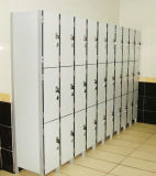 Schöne 3 Tür-Kleidung-Speicher-Schließfächer
