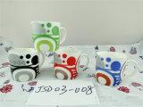 Caneca cerâmica ideal com projeto diferente