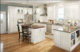Armadio da cucina classico popolare del laminato del nuovo modello di legno solido