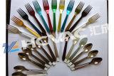 使い捨て可能なプラスチック銀のスプーンまたはフォークPVDのコータまたはプラスチック食事用器具類の真空のめっき機械
