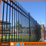 ヨーロッパの錬鉄の塀の庭の塀