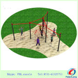 屋外公園装置に上っている屋外の適性の運動場の体操の娯楽子供