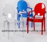 Cadeira plástica do evento na cor transparente