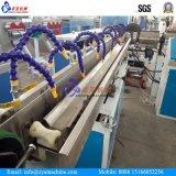 PVC鋼鉄螺線形によって補強されるホースの生産ラインか作成機械