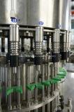 Macchina di riempimento e di coperchiamento della bevanda automatica