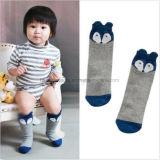 Kniehohes Fox-Gesichts-netter Entwurf für Baby-Kleid-Socke