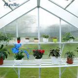 온실 시스템에 있는 정원 도보