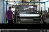 Windt het JumboBroodje van de Plastic Film van de Rek LLDPE voor Machine opnieuw op
