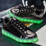 다채로운 농구 스포츠는 남자 Chaussure 빛을내는 우연한 LED 단화를 불이 켜진다