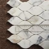 A telha luxuoso do mosaico do mármore do ouro de Calacatta do projeto da folha para a decoração Home