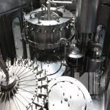 Gas automático completo que contiene la empaquetadora embotelladoa del agua