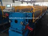 L'acier galvanisé sifflent vers le bas le roulis formant la machine