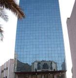 강화 유리 외벽 건물