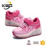Schoen van de Sport van de Goede Kwaliteit van China van de veelkleurige LEIDENE van de Hiel van de Jonge geitjes van de Riem van de Gesp de Lichte Schoenen van de Tennisschoen