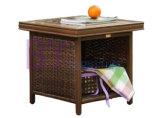 別荘の屋外の手編むPEの藤のばねの椅子の家具