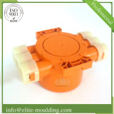 La plastica parte la lavorazione con utensili per le bobine di cavo e lo stampaggio ad iniezione