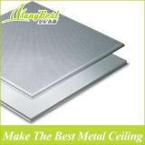 595*595는 내화성이 있는 방음 증명서를 가진 알루미늄 청각적인 천장판에서 놓는다