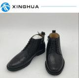 A mão da alta qualidade faz a homens sapatas do escritório das sapatas de couro