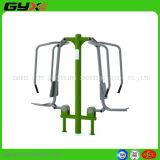 Im Freienübungs-Gerät mit Stoss-Stuhl