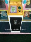 Máquina expendedora de la puerta del juguete de la venta de juego de la máquina de los juegos de fichas felices premiados de fichas felices de la puerta