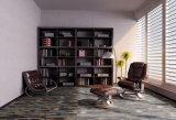 使用できるさまざまなパターンに床を張る防水PVCビニールの板