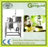 Petróleo essencial da erva da qualidade superior que extrai a planta