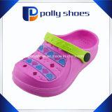 最上質の女の子および赤ん坊靴の子供の庭の靴