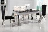Una silla del rectángulo seises con el vector de cena de cristal fijado para los muebles