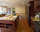 Cozinha luxuosa moderna da madeira contínua