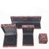 Reunindo a caixa plástica do bracelete do anel do pendente de Flannelette (J37-E3)