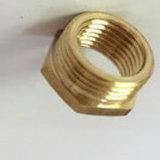 La base de cobre amarillo del tubo de la plomería es las guarniciones de encargo