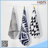 小型贅沢で柔らかい印刷されたタオル手タオル