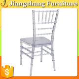 Empilar la silla clara de Chiavari para la venta