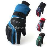 補強されたやしを搭載する暖かい防水および防風のスキー手袋