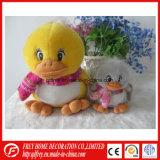 Lapin doux en peluche populaire et canard avec oeil brillant