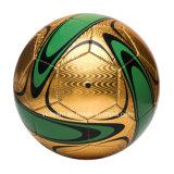 Económico por mayor de cuero de alto brillo del balón de fútbol