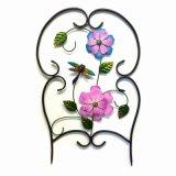 La flor artificial del paño adornó el arte de la cerca del metal