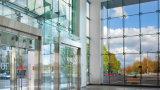 Escalera moderna sistemas sin marco de cristal de baja emisión de muro cortina