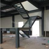 SGSの証明書が付いているプレハブの軽い鉄骨構造の金属の倉庫