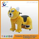 Лошадь игрушки детей любимейшей эксплуатируемая батареей
