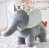 Giocattolo della peluche dell'elefante farcito abitudine