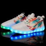 Zapatos al por mayor del deporte de la luz del resorte del LED con el diseño del acoplamiento para las mujeres de los hombres