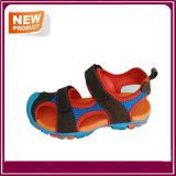 Nuovi pattini del sandalo di stile di modo per i capretti