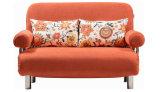 絶妙な快適なArmrestが付いている2折られたソファーベッド