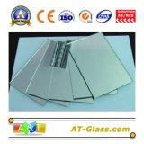 1.8-8mm銀製ミラーの銀ミラーの板ガラスミラーまたは銀を着せられたミラーまたは銀製上塗を施してあるミラーまたは磨かれた、研がれる、深く処理する