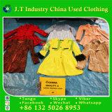 L'inverno usato copre il cappotto di Treanch delle donne della Doubai con l'alta qualità