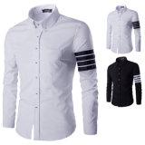 Chemises de robe noires blanches de la longue chemise des hommes de mode (A426)