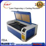Estaca do laser do CO2 do CNC & máquina de gravura para a roupa
