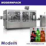 Máquina de rellenar en botella tríada de la bebida del gas