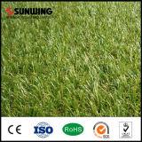 In het groot Natuurlijk kijkt Goedkoop Groen PPE Synthetisch Gras voor het Decor van de Tuin
